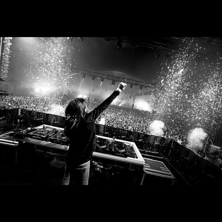 Alesso ft. Tove Lo - Heroes : Incredible Indie / Progressive House Collaboration - Featured Image