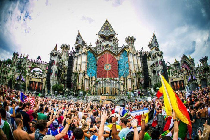[WATCH NOW] Tomorrowland 2015 Live Video Streaming Day 1 Over 4 Stages - Featured Image