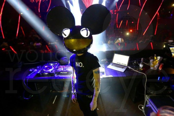 Deadmau5 set to team up with Capitol Music Group for a Hollywood studio that will be broadcasting constant video Live Streams - Featured Image