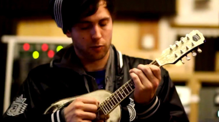 """Watch: Pretty Lights produced his own vinyl records then sampled them for his new album """"A Color Map of the Sun"""" including new track [VIDEO] - Featured Image"""