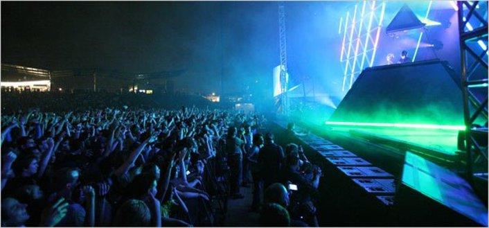 Daft Punk Tour 2013: Set to to Headline Coachella, 5 Europe Festival Dates, New Album - Featured Image