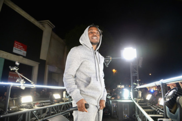 Watch Kendrick Lamar's Entire 50 Minute Concert On A Moving Truck In LA Followed By Fans - Featured Image