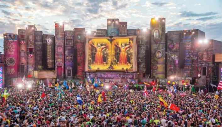 STREAM TomorrowWorld 2014 Festival Live With Schedule - Featured Image